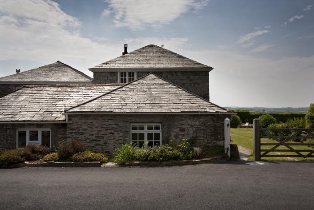 Little Lynam, a self-catering holiday home in Rock, North Cornwall