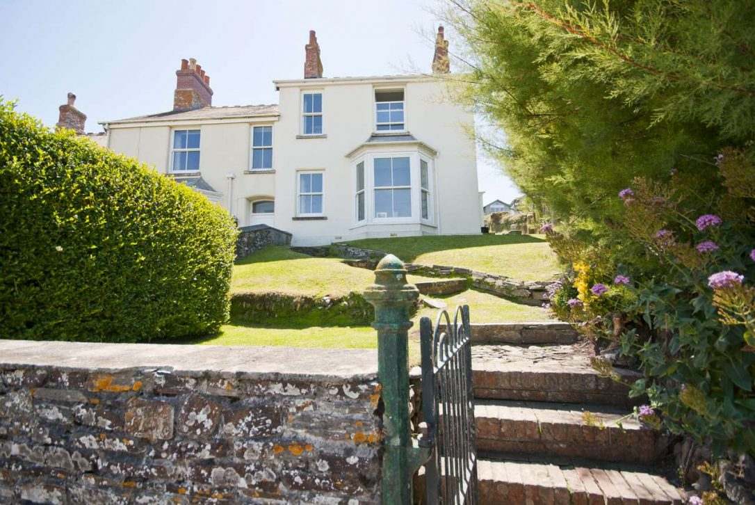 No 1 Pentire View, a self-catering holiday home in Polzeath, North Cornwall