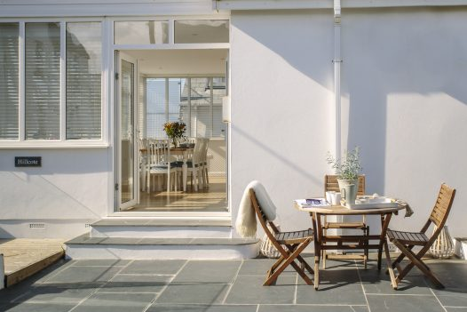 Hillcote is a self-catering holiday home within walking distance of Pentireglaze Haven