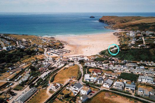 Carn Mar is set right above Polzeath beach in North Cornwall