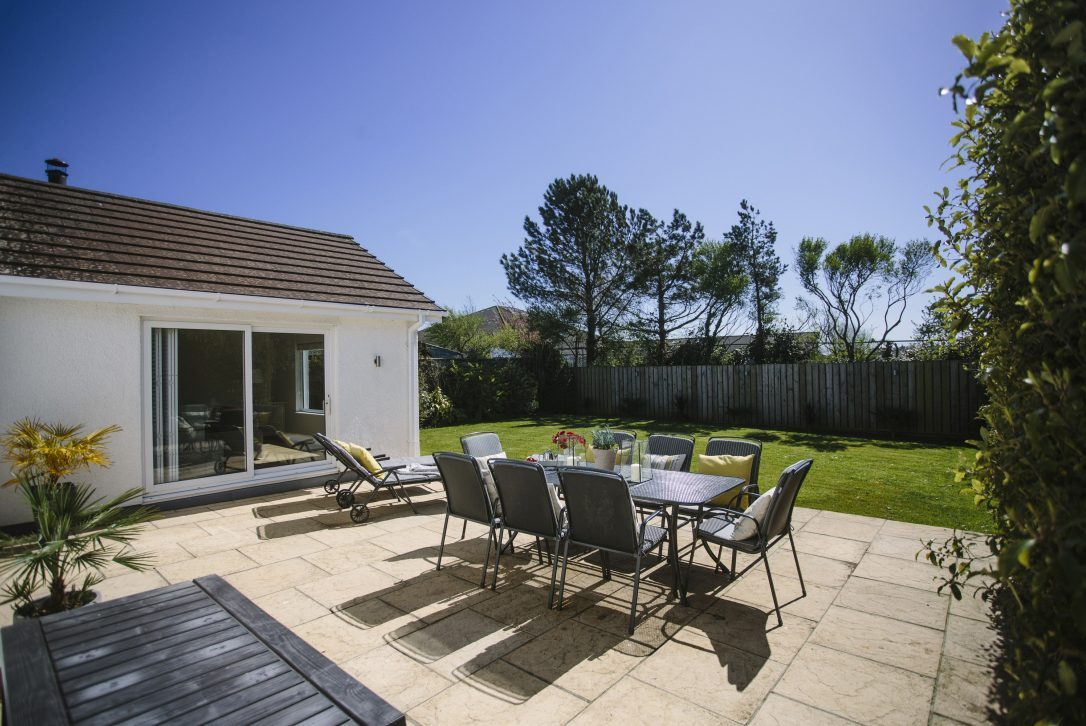 Slipper Rock, a self-catering holiday home in Rock, North Cornwall