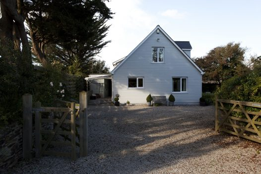 Tamarisk Lodge a self-catering holiday home in Daymer Bay, North Cornwall