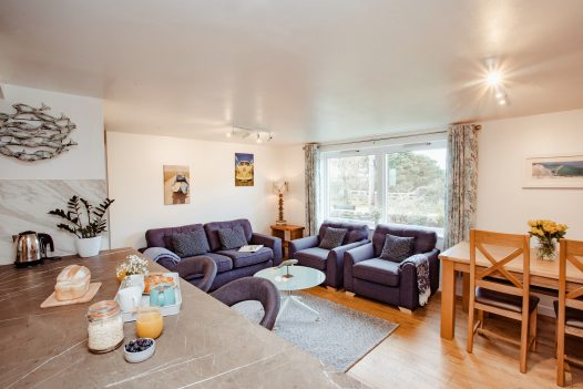 Penhwedhi is a cosy apartment in Polzeath, perfect for two