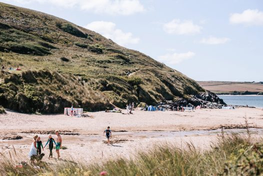 1 Higher Farm is within walking distance of the dog-friendly beach of Daymer Bay