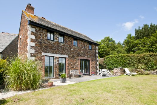 Exterior of Kate Cottage, a self-catering holiday home in Rock, North Cornwall
