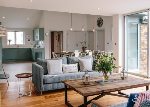 Open plan living space at 1 Higher Farm, a self-catering holiday cottage near Daymer Bay, North Cornwall