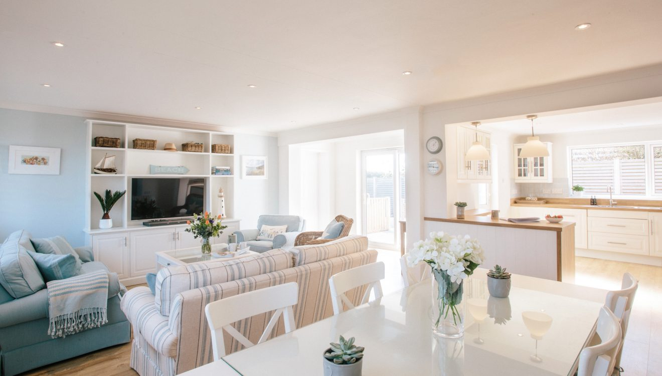 Lounge at 25 The Beaches, a self-catering holiday home in Rock, North Cornwall