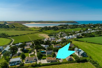 Aerial view of Bowji, a self-catering holiday home in Daymer Bay, North Cornwall