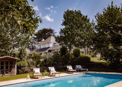 Buzza Vean, a self-catering holiday home with heated pool in Rock