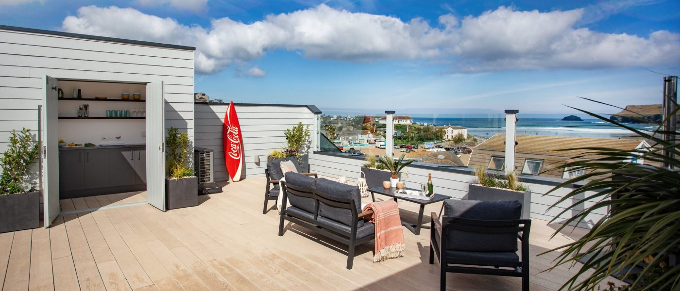 Driftwood, a luxury self-catering apartment with roof garden in Polzeath, North Cornwall