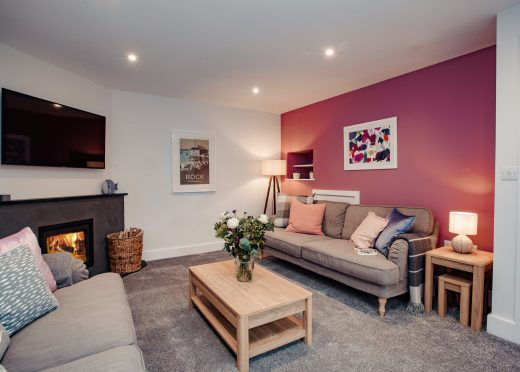 Holibobs, a self-catering holiday home near Rock, North Cornwall