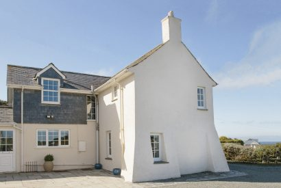 Exterior view of Ivy Cottage, a self-catering holiday home in Polzeath, North Cornwall