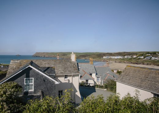 Ivy Cottage is located above Polzeath beach in North Cornwall