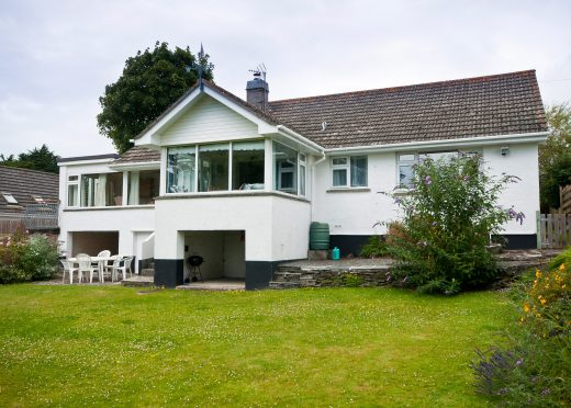 Front view of Little Riggs, a self-catering holiday home in Rock, North Cornwall