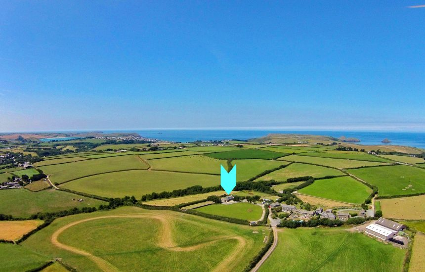 Aerial view of Little Mesmear, a self-catering holiday home near Polzeath, North Cornwall