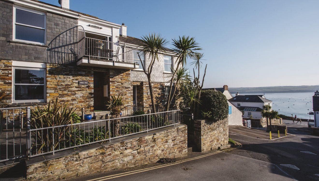 Pebble Rock, a self-catering holiday home in Rock, North Cornwall