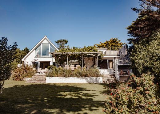 Skylarks, a self-catering holiday home above Daymer Bay, North Cornwall