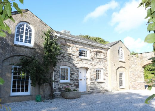 The Coach House, a self-catering holiday house in Rock, North Cornwall