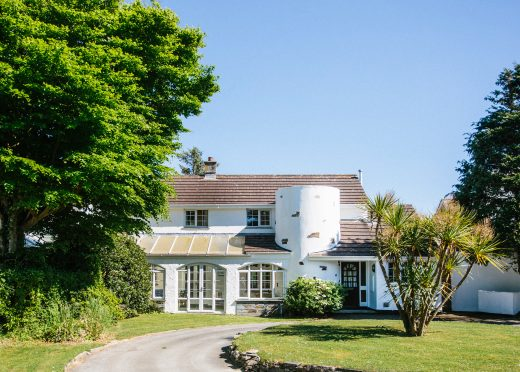 Front view of The Crispin, a self-catering holiday home in Rock, North Cornwall