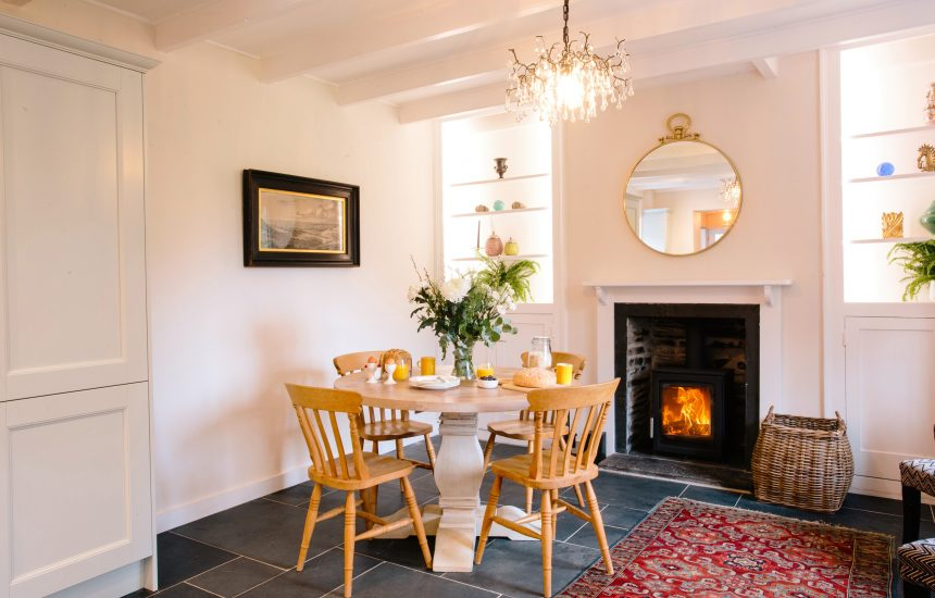 Dining area at The Gate House, a self-catering holiday home between Rock and Wadebridge, North Cornwall