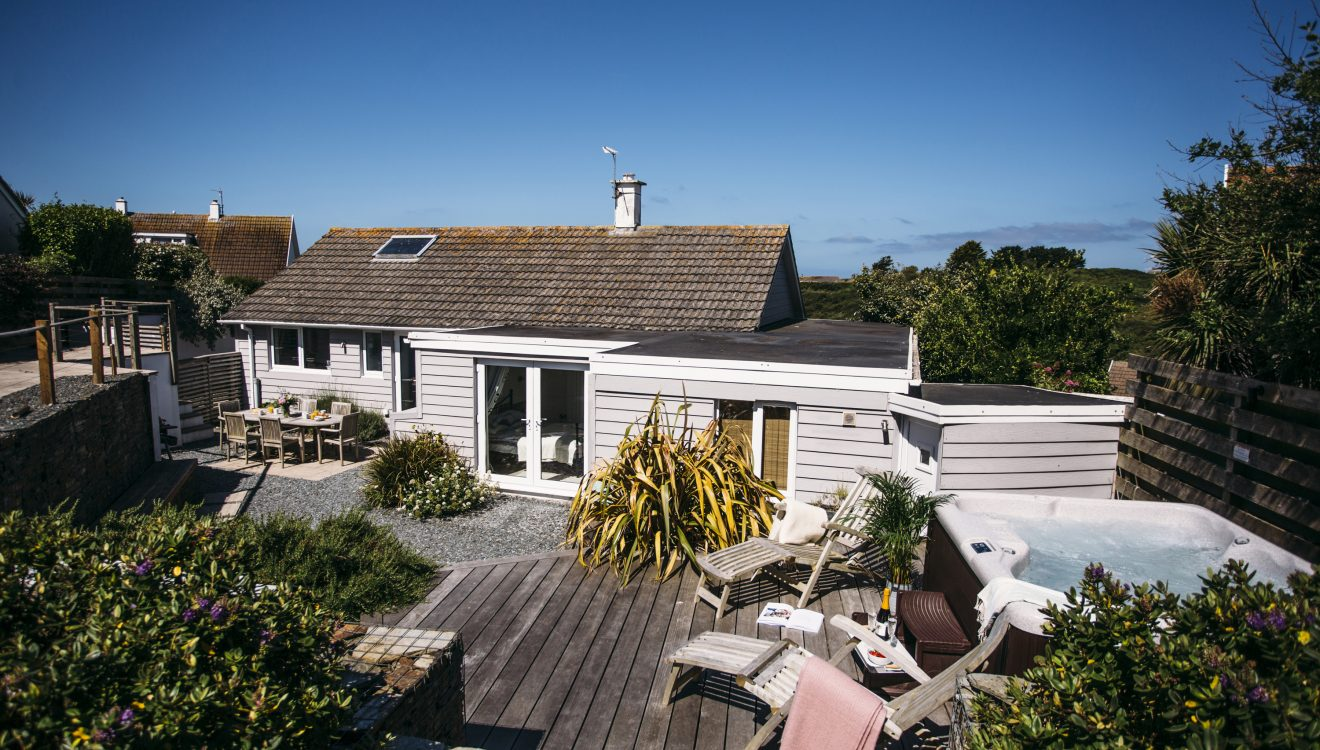 Exterior of The Retreat, a self-catering holiday home in Polzeath, North Cornwall