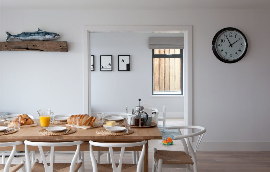 Dining table at Compit, a self-catering holiday home in Polzeath, North Cornwall