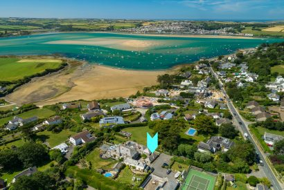 Aerial view of Little Lynam, a self-catering holiday home in Rock, North Cornwall