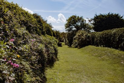 Private pathway to the beach at Lynam, a self-catering holiday cottage in Rock, North Cornwall