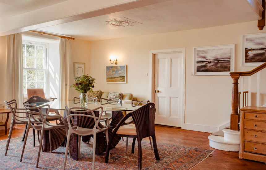 The dining room at Lynam, a self-catering holiday home in Rock, North Cornwall