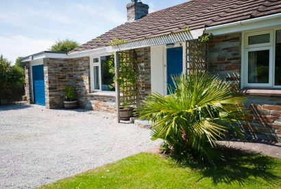 Front of Maidenover, a self-catering holiday home in Rock, North Cornwall