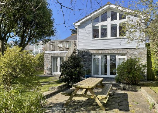 Meadowside, a self-catering holiday home in Rock, North Cornwall