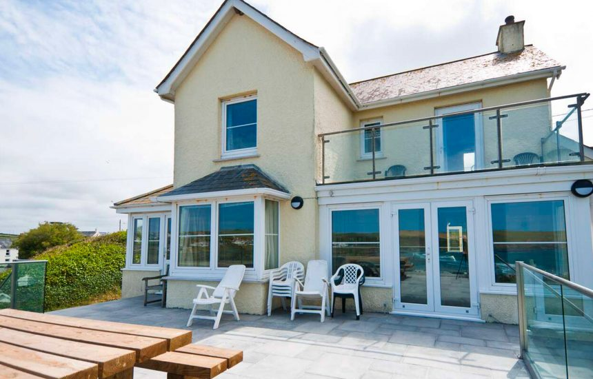 Seaview, a self-catering holiday home in Polzeath, North Cornwall