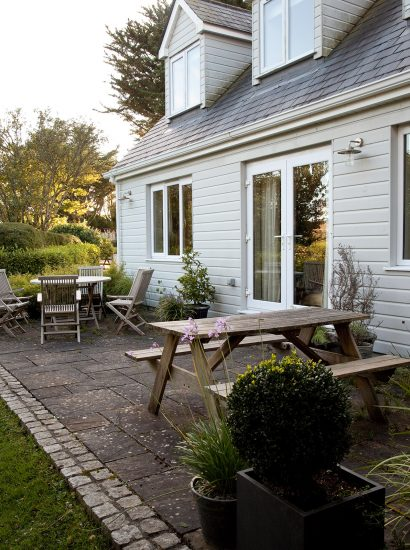 Patio at Tamarisk Lodge, a self-catering holiday home in Daymer Bay, North Cornwall