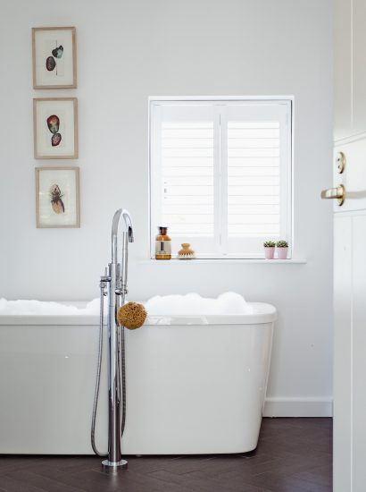 Bathroom at The Farmhouse, a self-catering holiday home on Cant Farm near Rock, North Cornwall