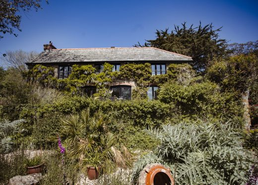 The Farmhouse, a self-catering holiday home near Rock, North Cornwall