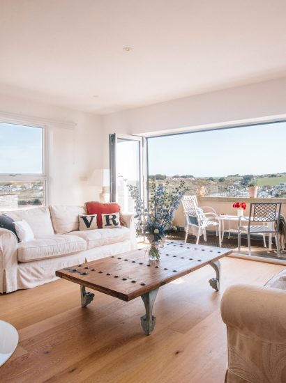 Living space in Vinnick Rock, a self-catering holiday home in Polzeath, North Cornwall