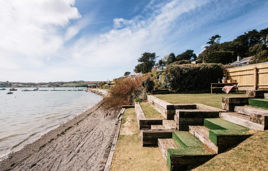 Waterfront garden at Wheel Cottage, a self-catering holiday home in Rock, North Cornwall