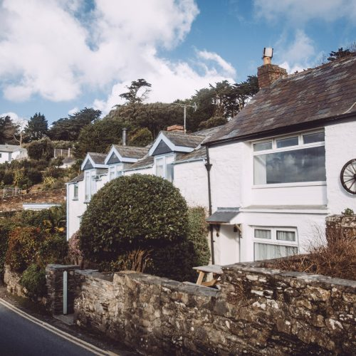 Wheel Cottage a self-catering holiday cottage in Rock, North Cornwall